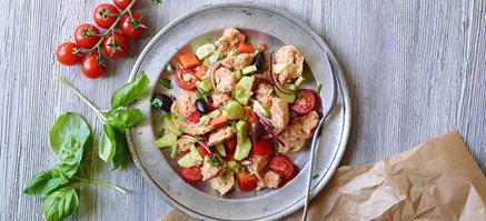 Ovnbagte grøntsager med hummus.